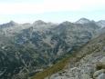 Pohled na dolinu, kterou za dva dny budeme scházet do Banska. Vpravo nahoře Kamenica.