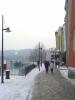 Zimní ulička Pasova kolem Dunaje