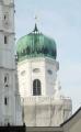 Pohled na jednu z věží sv. Štěpána
