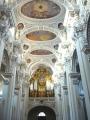 Stropní malby s 3. největšími varhanami v Evropě