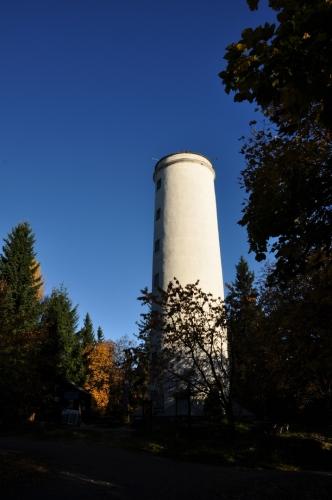 Zděná rozhledna na vrcholu Libína (1 096m) stojí již od roku 1883 a je 27m vysoká.