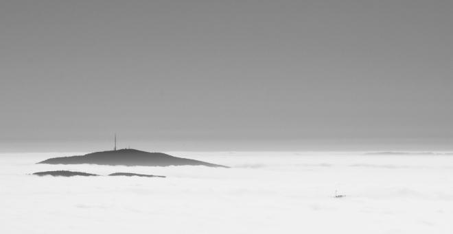 Divy přírody... z Ktišské hory je již vidět pouze část  vysílače mobilního operátora.