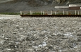 California, Death Valley, Badwater - solné jezero je takřka bez vody