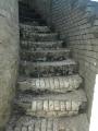 nic nevydrží věčně, ani schody z bílých cihel... prý je město opraví, ale kdy se neví .... že by se čekalo na Brusel ???