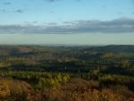 jihovýchodně je údolí Berounky a východní část Brd - volně přístupná