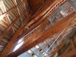 dřevěná konstrukce rozhledny, údajně z mořený modřín, ten vydrží ...
