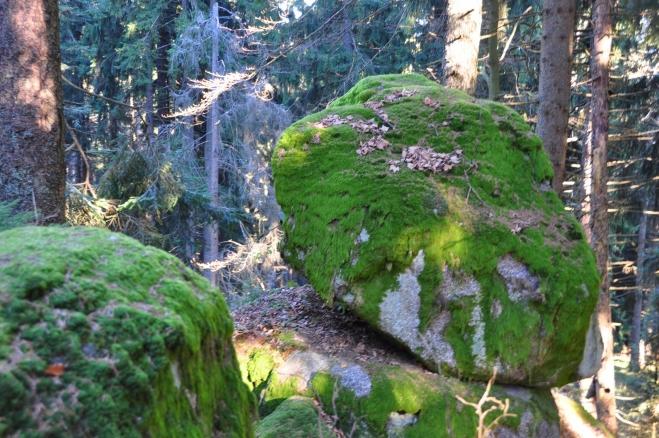 I zde jsou vrcholové skalky.