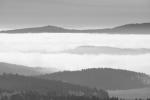 Zanedlouho si všimneme i nepatrných obrysů vzdálených vrcholků Alp. Při posledních třech výpravách na Šumavu jsem je vždy spatřil, bohužel nikdy nebyla viditelnost dokonalá.