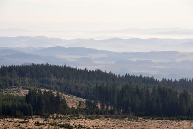 Pohled k jihu bohužel Alpy dnes skrývá. Inverze skončila.