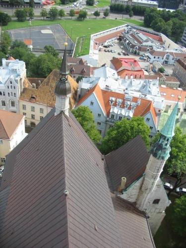 """Dnešní Olaf měří 123,7 m a stále zůstává nejvyšší budovou Estonska. Tato vyhlídka je v """"pouhých"""" 60 metrech."""