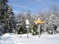 U odbočky jedeme na vrchol Stráže a potom sjezdem k hotelu Alpská vyhlídka na oběd.