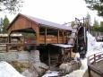 Skanzem vodních děl nedaleko Bjorli