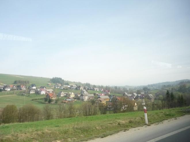Převážně třípatrové domy na polské straně