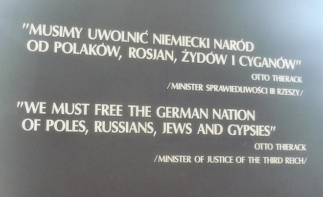 """""""Musíme očistit německý národ od Poláků, Rusů, Židů a Romů!"""" Ministr spravedlnosti Třetí říše Otto Thierack"""