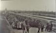Dobová fotografie příjezdu do Birkenau