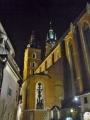 Mariánská bazilika u Rynku v nočních hodinách
