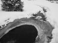 Romantika se ani dnes neztrácí, jak ostatně dokládá pohled na zamrzlý Březnický potok.