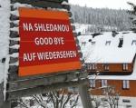 A sjezd k Modravě ukončujeme u všeříkající cedule nedaleko Klostermannovy chaty.