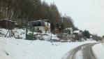 silnička vede kolem další chatovo-zahrádkářské kolonie ...
