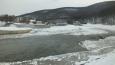 normálně se zde dá řeka přejít suchou nohou po kamenech ...