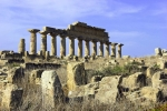 A opravdu nejsme zklamáni - perla Akropole, Tempio A