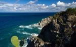 Kýčovitá fotografie pobřeží kolem Capo Vaticano. Ale na straně druhé je to nádherný pohled a mezi skalisky je spousta malých plážiček.