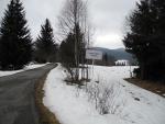 Nové Údolí. Vpravo je vidět torzo běžkařské stopy.
