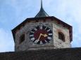 Věžní hodiny.