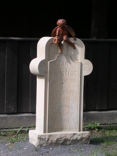 Pomník Jana Karafiáta (2007, Hana Šimková)