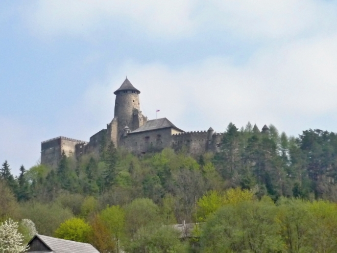 L'ubovnianský hrad v celé své kráse (foceno ze skanzenu)