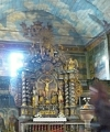 Hlavní oltář v chrámové lodi
