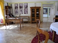 Protože v zámku nezbyl žádný nábytek, vše v muzeu bylo zapůjčeno a vkusně upraveno v jedné z místností.