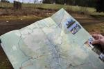 Mapa, kterou jsme si vzali v infostředisku je velmi dobrá. Jediným jejím nedostatkem je absence turistických značek. Obsahuje totiž jen ty pavučinkové.