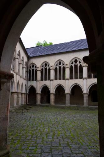Zvíkov - pohled na nádvoří, kde začíná prohlídka interiéru
