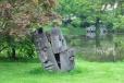... k zahradám kde sochy mlčí ...