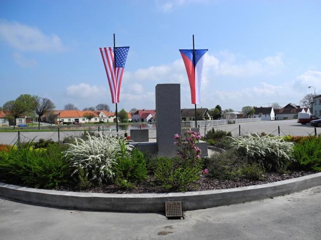 Drahonice podobně jako celý jihozápad Čech osvobodila americká armáda.