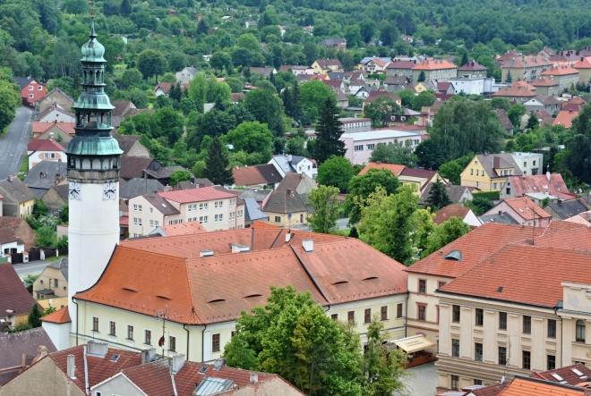 Chodský hrad je dnes Muzeum Chodska a byl založený společně s městem českým králem Přemyslem Otakarem II. Z původního středověkého hradu, ve kterém sídlil královský purkrabí, chodský rychtář a zasedal chodský soud, se zachovala pouze štíhlá válcová věž. Po požáru v roce 1592 zůstal hrad zpustošený a v troskách. Barokní přestavba v letech 1726-27 a úprava roku 1830 daly hradu dnešní podobu.