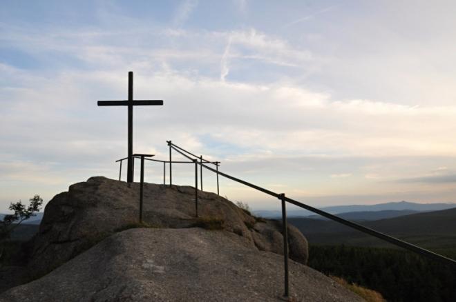 Vrcholový kříž Jizery.