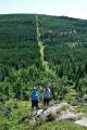 Průsek, kterým jsme přišli, pokračuje přes vrchol Smědavské hory.