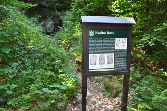 Už jméno Štolpich dává tušit, odkud se vzalo. I v Jizerských horách se v minulosti dolovalo. Zde se těžila železná ruda pro pec v Raspenavě.