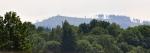Podobná rozhledna, jako je u výběhu praturů, je i na Knížecím stolci, který vidíme os vrcholu Skalin.