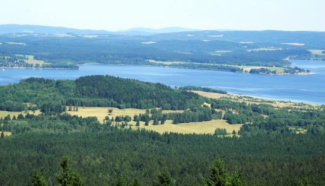 PP Pestřice, Pestřický vrch (842 m n. m.), v pozadí Dolní Vltavice.