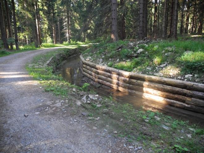 Nově opravený úsek kanálu na Korandu.