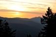 Proč se vrcholkům Ostrého někdy říká Prsa Matky Boží? Není tato fotka jasnou odpovědí?