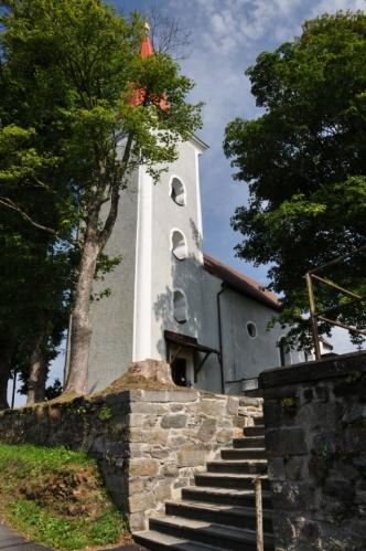 Kostel sv. Václava v Čachrově.