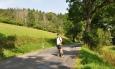 Vstupujeme do Rajského údolí, v pozadí je Pavlův vrch.