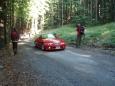 A BMV kolem nás sviští jen listí v lese šustí.