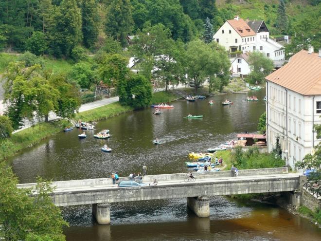 Vodáci v Rožmberku mají sezónu v plném proudu