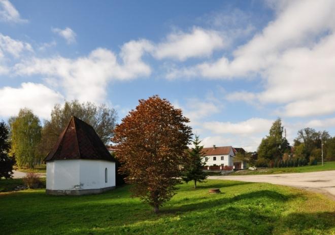 Kaple v obci.