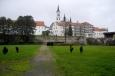 Poněkud nevlídné ráno nedává moc možností pro dobré focení a tak se ve Vyššebrodském klášteře věnuji spíš focení detailů. Uvnitř jsme ale upozorněni na zákaz focení.